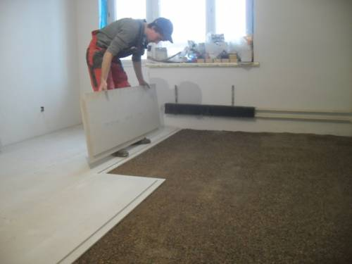 How to make the floor in the house of the panel